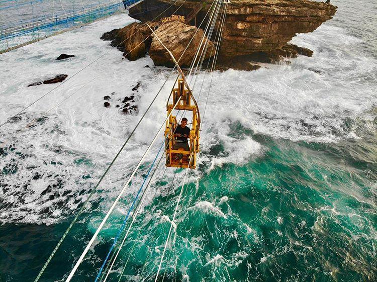 gondola-pantai-timang